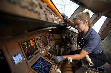 El 42% de posiciones en American Airlines son ocupadas por mujeres