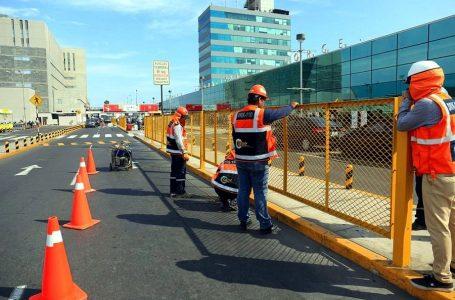 Aeropuerto Jorge Chávez: policía retira taxis de vía libre vehicular