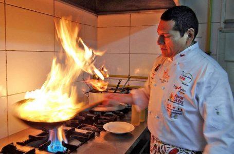 Dictan prisión preventiva contra 'rey' de la comida peruana en Chile