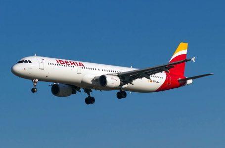 España revisará hasta junio vuelos de Iberia tras Brexit sin acuerdo