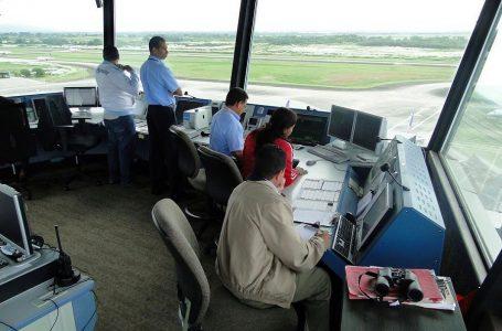 Cerca del 20% de vuelos se verá afectado por paro de controladores aéreos