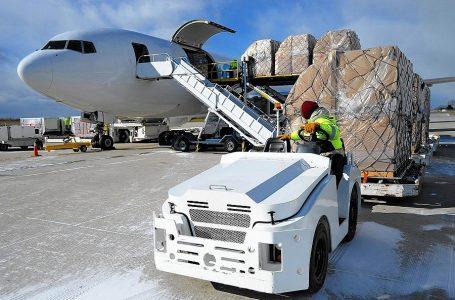 IATA: transporte de carga aérea se desacelera por octavo mes consecutivo
