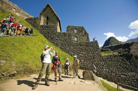 Seguridad, estrategia y oportunidad: tres retos que el sector turismo no logra superar [EDITORIAL]