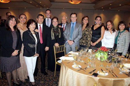 Apavit otorga reconocimientos durante cena por su 72 aniversario [FOTOS]