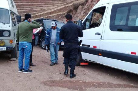 Vehículo turístico ingresó a zona arqueológica restringida de Pisac
