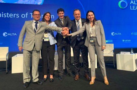 Perú suscribe acuerdo para mejorar turismo y conectividad aérea en Latinoamérica
