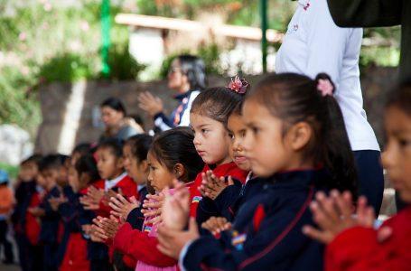 Niños de Urubamba recibirán a turistas con villancicos en estación de Inca Rail