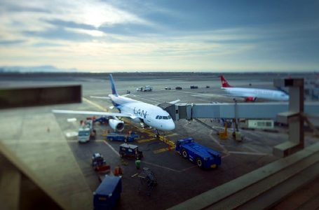 Aeropuerto Jorge Chávez restringirá vuelos de madrugada por mantenimiento de pista