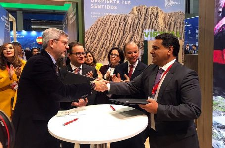 Turismo Cuida y Ayuda en Acción se unen por el desarrollo de Ollantaytambo