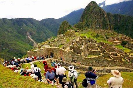 Llegada de turistas internacionales al Perú disminuyó 70% en marzo y 90% en abril