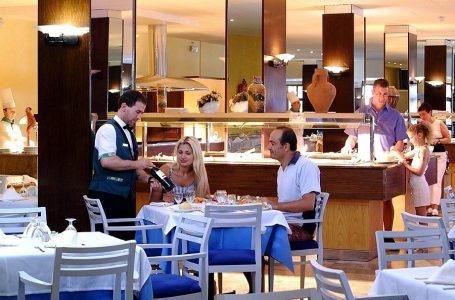 Sector Hoteles y Restaurantes cayó 94,55% en abril por la pandemia