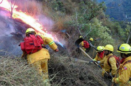 Controlan incendios forestales en Machu Picchu y reserva Nor Yauyos Cochas