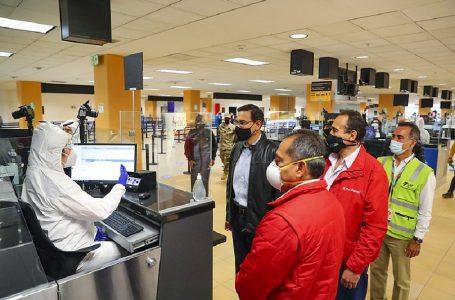 Presidente Vizcarra garantiza cumplimiento de protocolos en vuelos internacionales