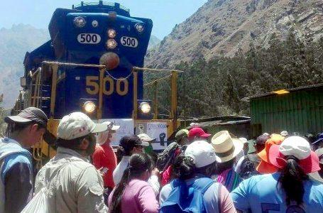 Invocan mesa de diálogo para resolver conflicto por tarifas de tren a Machu Picchu