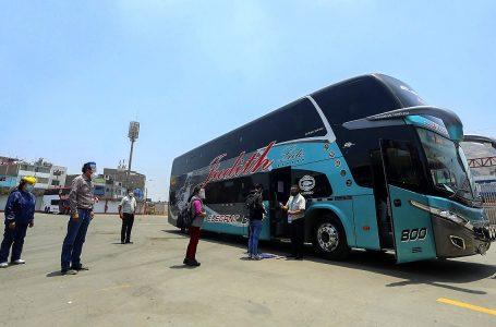 Transporte interprovincial movilizó a 2,3 millones de pasajeros en primeros cinco meses de reactivación