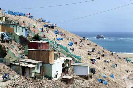 Chorrillos: Desalojan a invasores de zona monumental intangible del Morro Solar