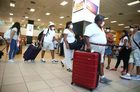 Perú suspende ingreso de viajeros procedentes de la India y levanta restricción desde Reino Unido