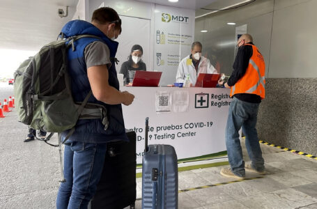 Costo elevado de pruebas Covid-19 pone en riesgo recuperación de los viajes