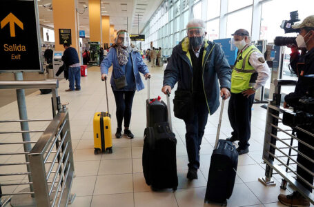 Llegada de turistas internacionales se recupera en marzo tras caída por cuarentena