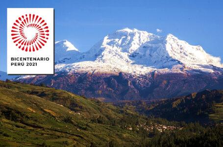 Bandera gigante del Perú flameará en la cima del Huascarán por el Bicentenario