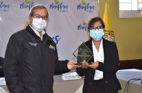 """Miraflores premió a los tres primeros puestos del """"Programa de Restaurantes Saludables"""""""
