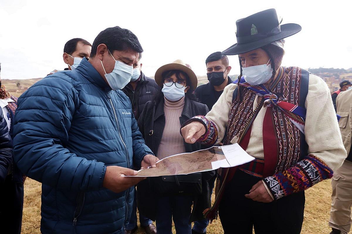 Aeropuerto  de Chinchero: Ministro de Cultura pide que se conserve el paisaje natural - Cuscopost
