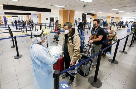Perú exigiría a viajeros prueba molecular y vacunación completa desde el 20 de setiembre